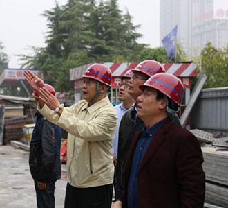 参观大厦建设